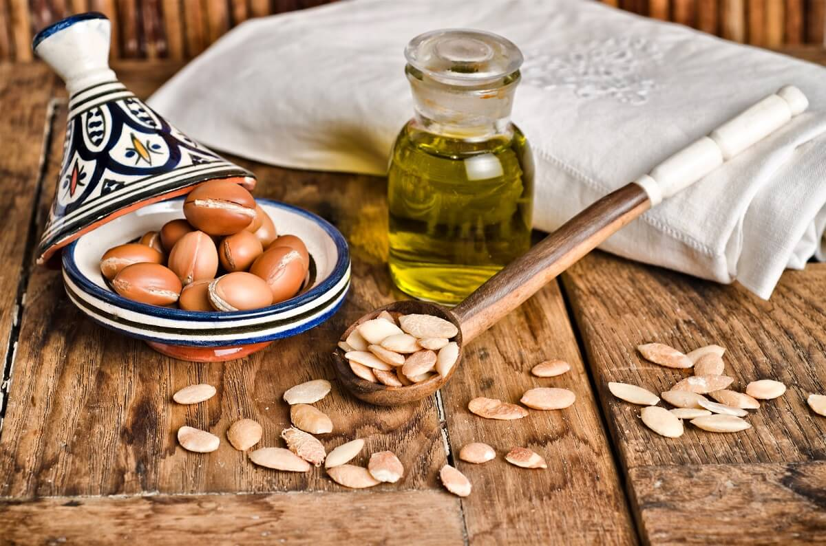 Arganöl ist ein beliebtes Hausmittel gegen trockene Kopfhaut