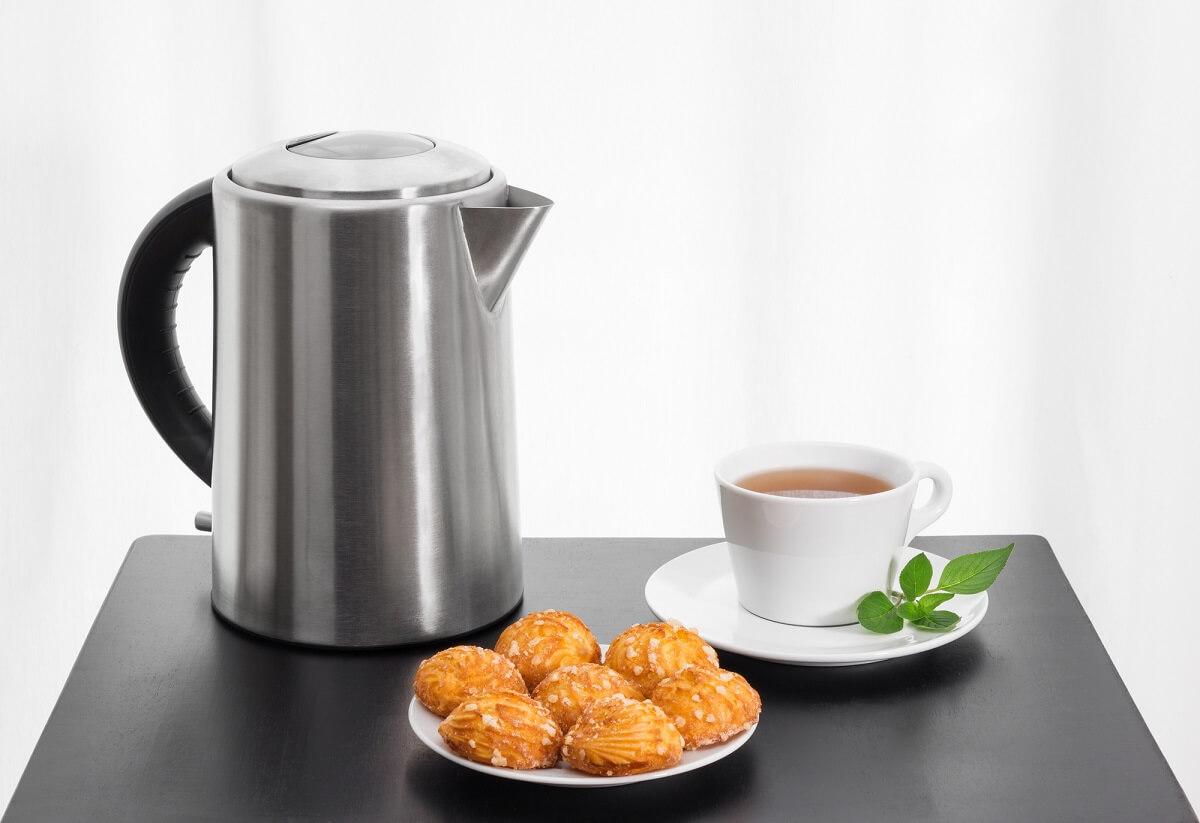 Wenn Sie regelmäßig Ihren Wasserkocher entkalken, schmeckt auch der Tee wieder besser