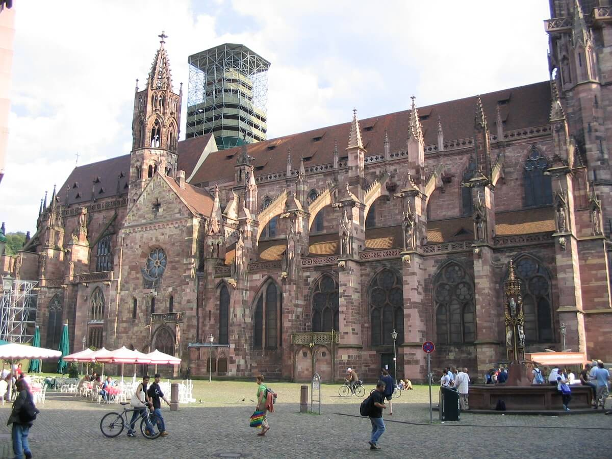 Das Münster ist eines der imposantesten Bauwerke in Freiburg
