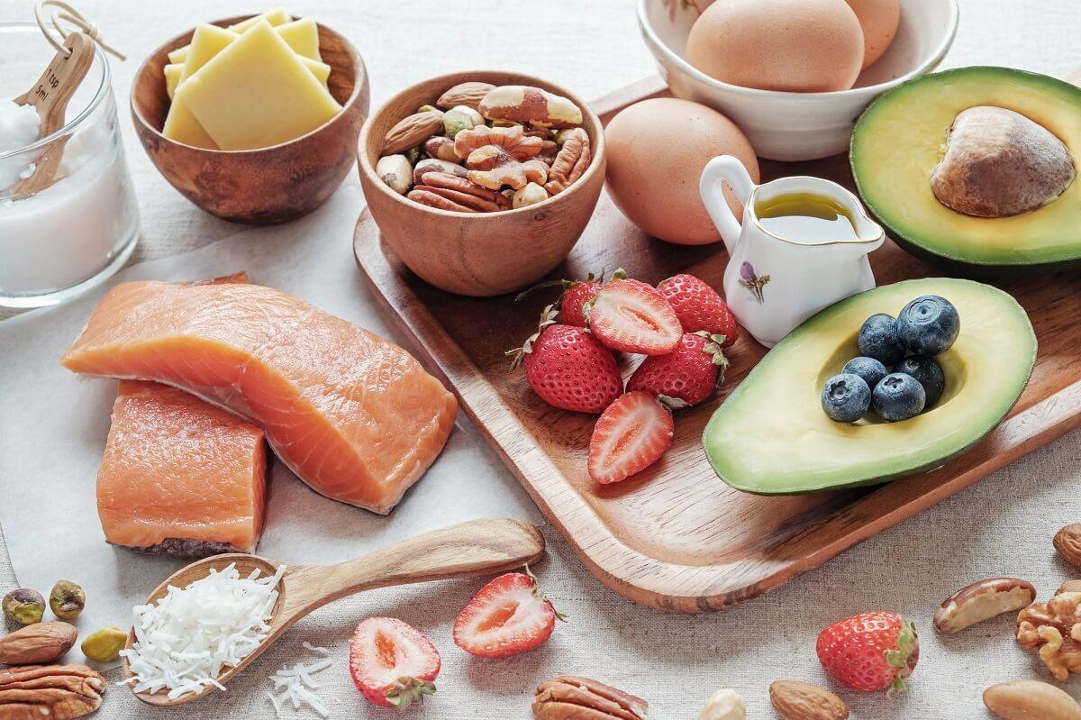 Eine Kombination aus Eiweiß und Kohlenhydraten kann das Immunsystem stärken, wenn die Ernährung ausgewogen ist
