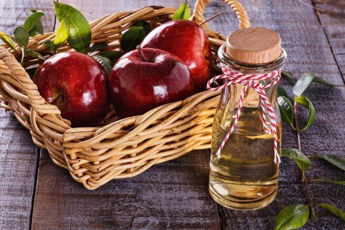 Apfelessig Fußbad gegen Nagelpilz - Anwendung und Wirkung
