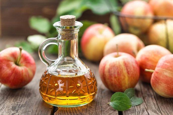 Apfelessig gegen Falten - Inhaltsstoffe, Anwendung & Wirkung