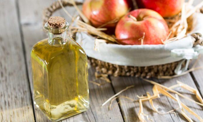 Apfelessig gegen Pickel und Akne - Anwendung und Wirkung