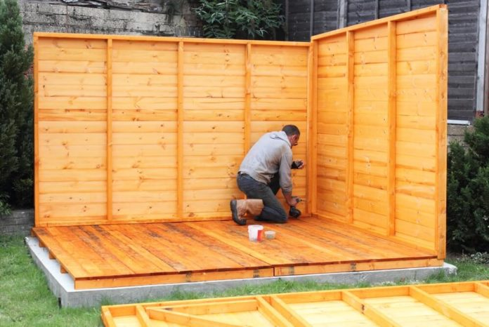 Gartenhaus mit Anbau - Aufbau, Untergrund und Pflege